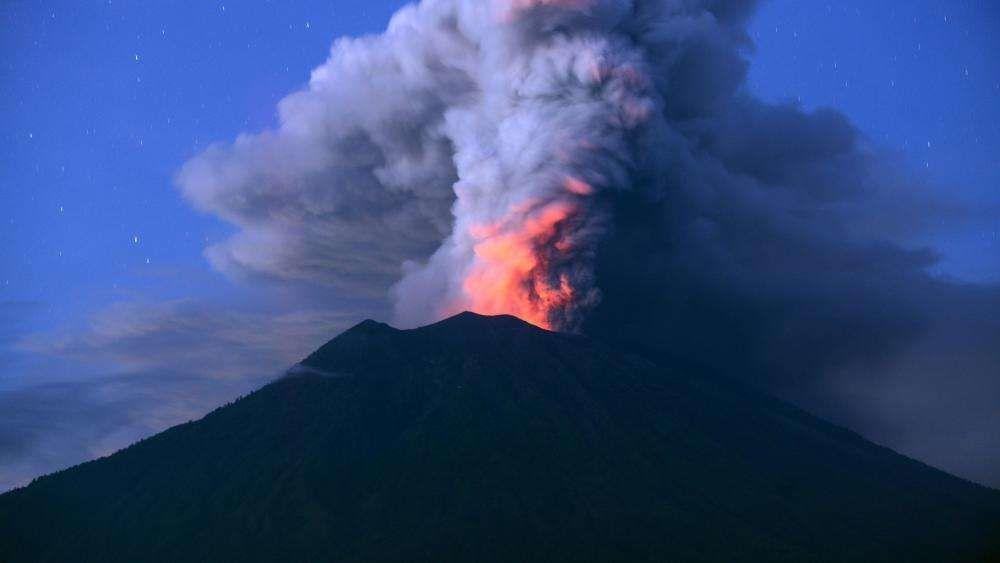 10 самых больших вулканов мира